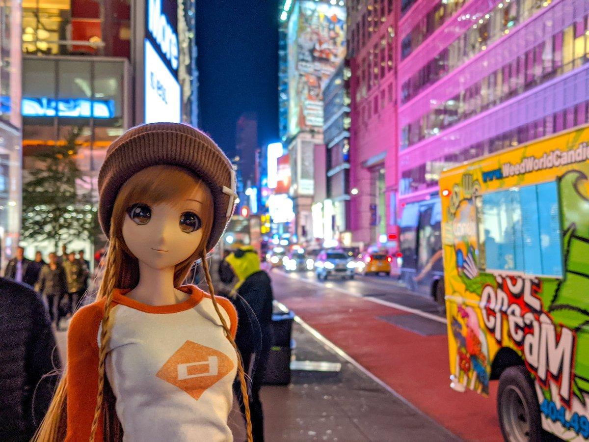 Heading back to NYC for Anime NYC#smartdoll #smartdollmirai #miraisuenaga #dollphotography #bjdphotography