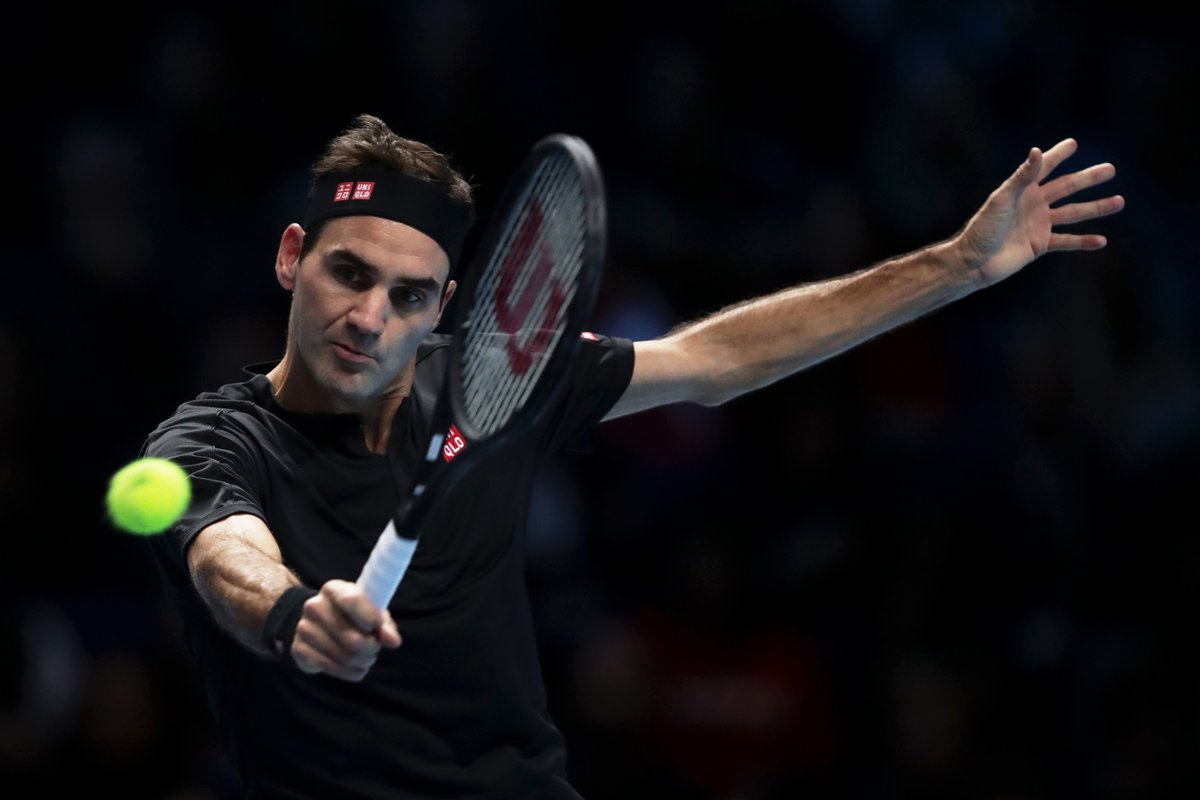 Novak Djokovic goes out of the #ATPWorldTourFinals losing 6-4 6-3 to Roger Federer in London.👉http://bbc.in/2rCDIvF  #bbctennis