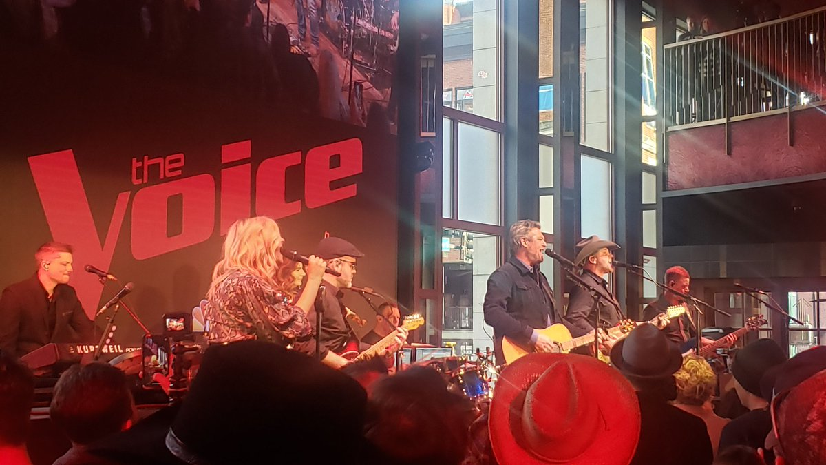 @NBCTheVoice with @blakeshelton in good @OleRedNashville !