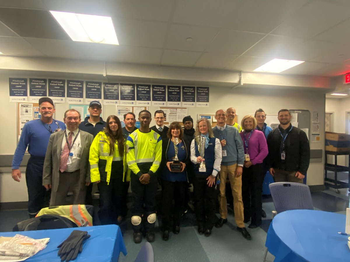 Congratulations Team Pittsburgh achieving 3rd Quarter Star Championship (Back to Back 2nd & 3rd quarters). Also congratulations to the team on achieving continued excellence with MST/Quick Turn performance. Thanks Scott for spending the day with Team Pittsburgh. @weareunited