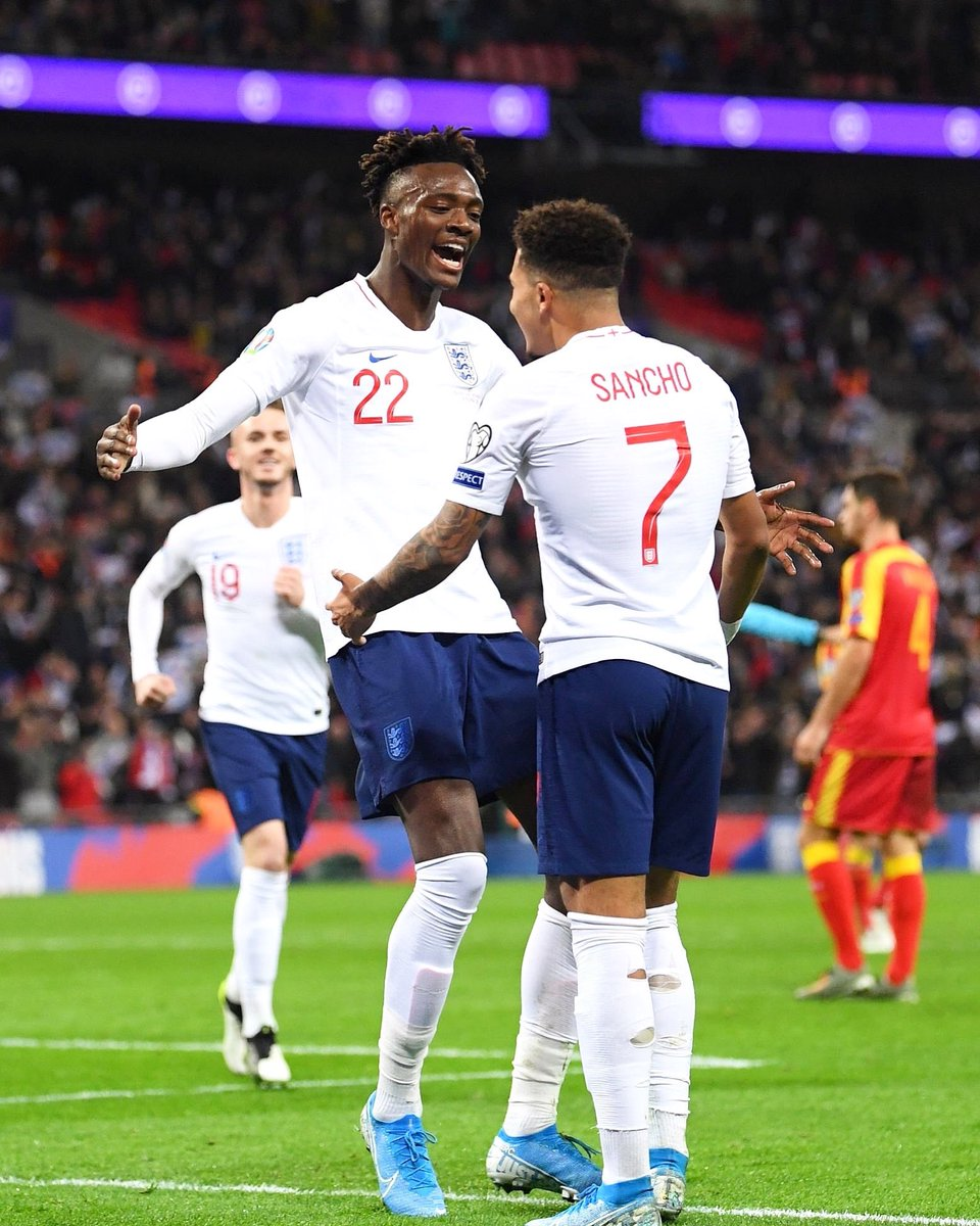South east London boys to Wembley @Sanchooo10 🤩❤️ glad to get my first in the shirt tonight ⚽️🙏🏾 celebrated @England 1000th game in style 🦁🦁🦁