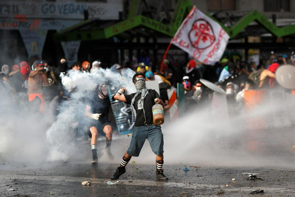 Chile's finance minister expects job losses, fuel hike in wake of protests https://reut.rs/2CKqqji