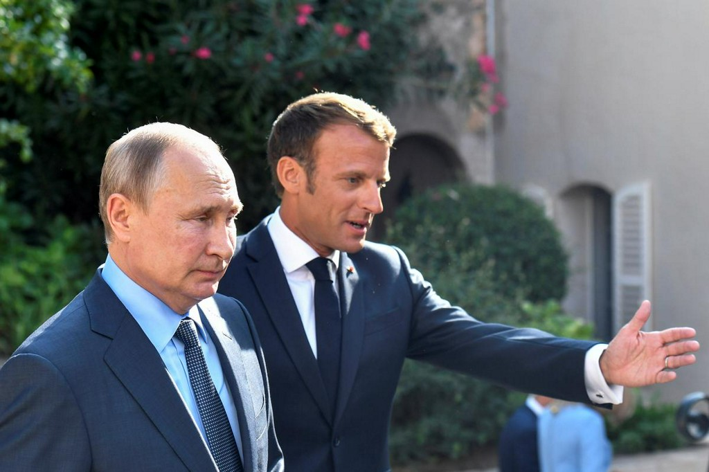 On Russia and EU enlargement, Macron pushes a radical agenda https://www.reuters.com/article/us-europe-macron-geopolitics-idUSKBN1XO2P9?taid=5dcdea4c5f1daa0001523fad&utm_campaign=trueAnthem%3A+Trending+Content&utm_medium=trueAnthem&utm_source=twitter …
