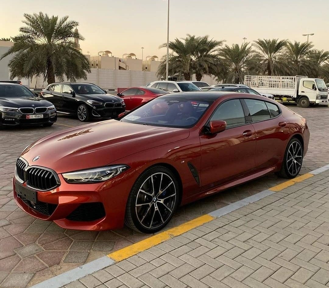 Sunset at the United Arab Emirates with the sleek Sunset Orange BMW ///M850i Gran Coupe. <br>http://pic.twitter.com/pjK6THcBml