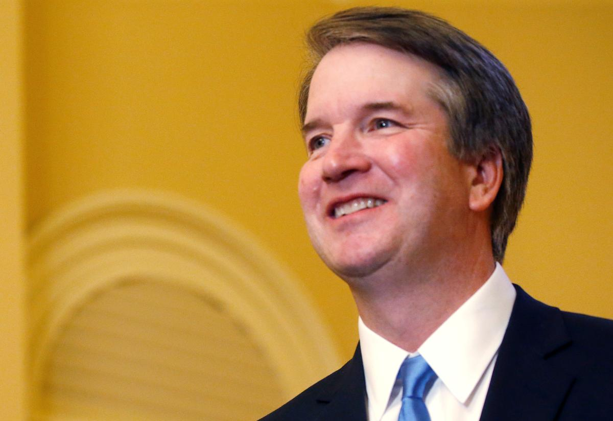 U.S. Justice Kavanaugh upbeat in first major public speech A gathering of conservative lawyers gave U.S. Supreme Court Justice Brett Kavanaugh a rapturous reception on Thursday for an upbeat speech in his first major public appearance sin...  http:// twib.in/l/GBoqepyKzzn7     #USNews #USRC <br>http://pic.twitter.com/AHvfQI2jfN