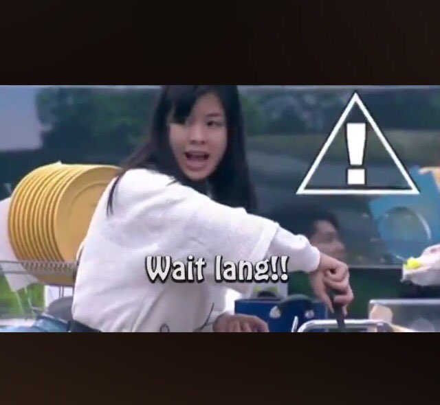 When my relatives urges me to  tie the knot soon cause I'm in the marrying age and wanted little nephews and nieces for themselves.  #KissesDelavin <br>http://pic.twitter.com/ikenh1ErgO