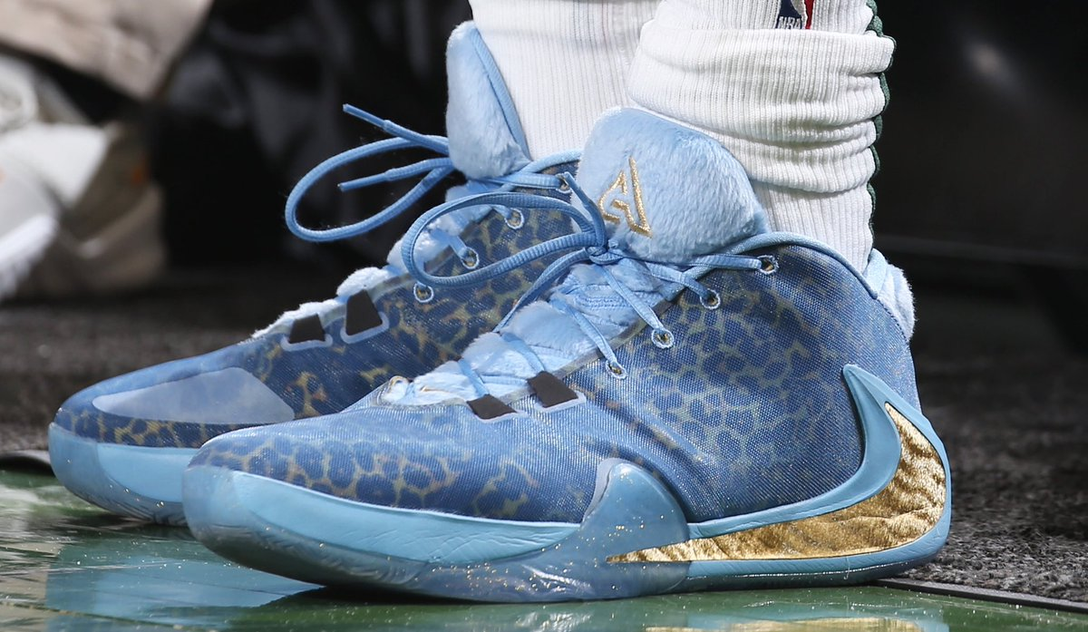 Giannis' Nike Zion Freak 1 tonight at home!   #NBAKicks #FearTheDeer