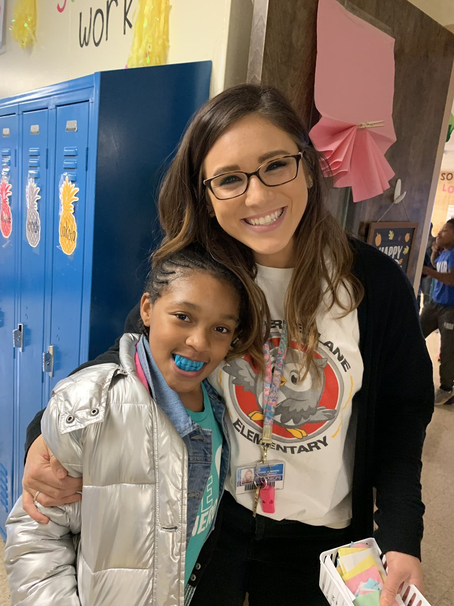 """When a Ss has a great day ... she's all smiles with her new """"prize"""" teeth 😍@RachaelSymonds2"""