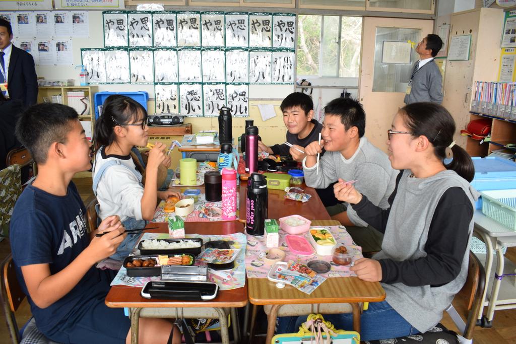 #石井食品 は、昨日、千葉県館山市の学校給食センターに3550食分の #イシイのミートボール を提供しました。依然として一部被災地域では、復旧に向けた支援を必要としています。千葉県が創業のちの石井食品は、引き続き積極的な支援をつづけ、地域復興に寄与していきます。