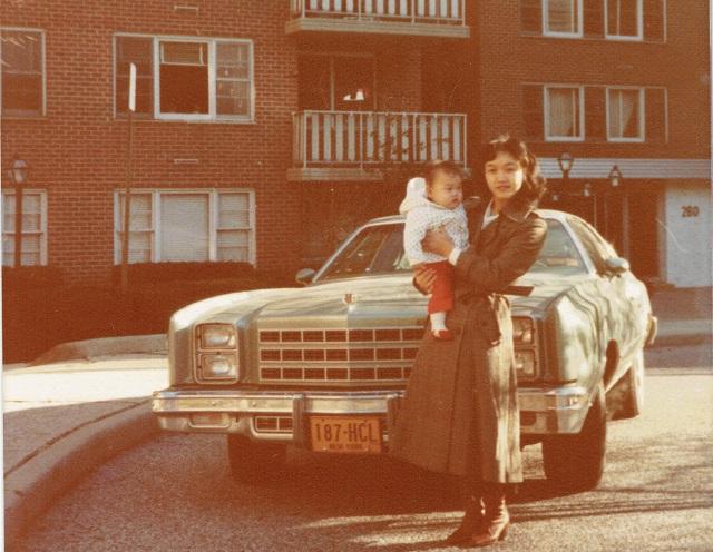 お父さんの仕事の関係でアメリカで生まれ、その後日本で育ったライター榎並さん。18歳で日本国籍を選択した……んですがその後もアメリカの国籍は残っていた……?顛末をまとめてもらいました。