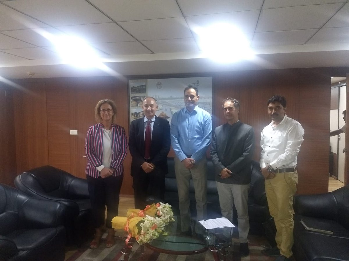 Meeting of Antonio Largo Cabrerizo, Vice Chancellor, University of Valladolid, Spain @UVa_es with Municipal Commissioner of @Ahmedabad  as part of his visit to #India under the Academic Visitors Programme of @ICCR_Delhi @AkhileshIFS @PPise2014 @IndiainSpain @vinay1011 @MEAIndia