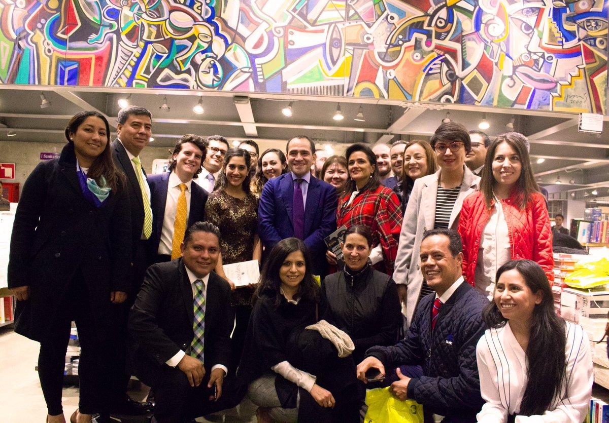 Quiero agradecer al equipo de @Hacienda_Mexico por acompañarnos en el lanzamiento de #ElBuenFin .También me dio gusto atestiguar su interés por la lectura.