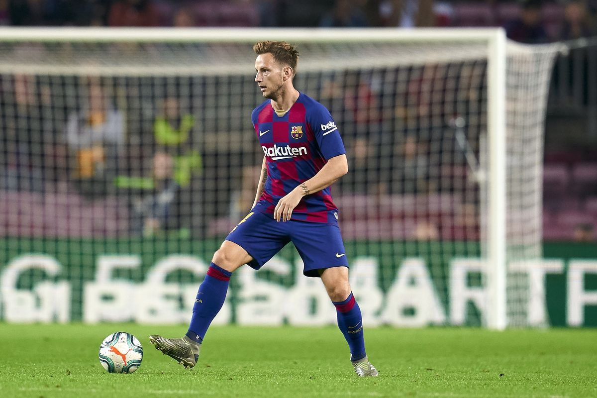 Atlético Madrid are willing to offer about 40 million euros for the signing of Ivan Rakitić, who is unhappy in Barcelona. [movistar +] <br>http://pic.twitter.com/wMsNgRW1Hw