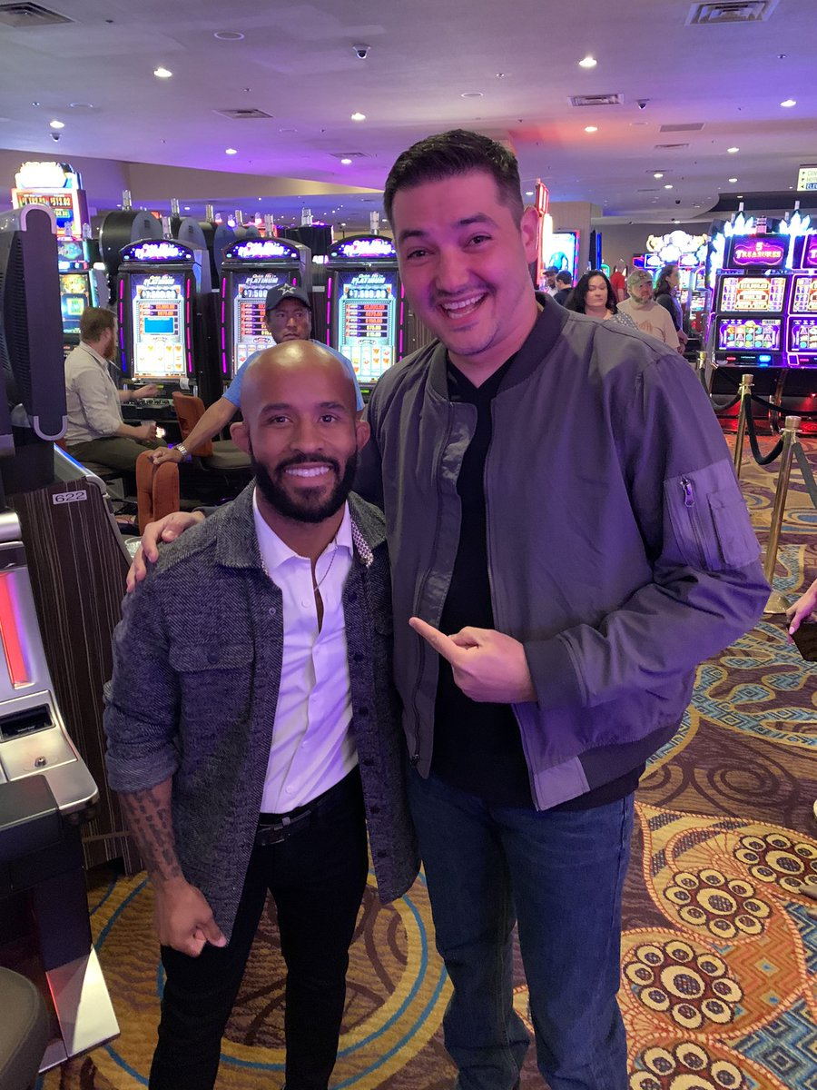 Awesome to meet @MightyMouse at the premier of #RunTheShow. Keep it up champ! <br>http://pic.twitter.com/221nNzWAv2 – à Luxor Hotel & Casino