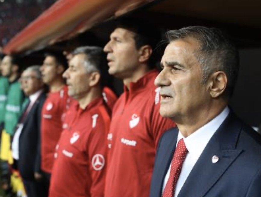 #ŞenolGüneş ile alınan başarı tesadüf değildir. 🇹🇷 A Milli Futbol Takımımız 5. Defa Avrupa şampiyonasında. Başta Şenol Güneş hoca olmak üzere Futbol Milli Takımımızdaki tüm oyuncularımızı tebrik ediyorum..