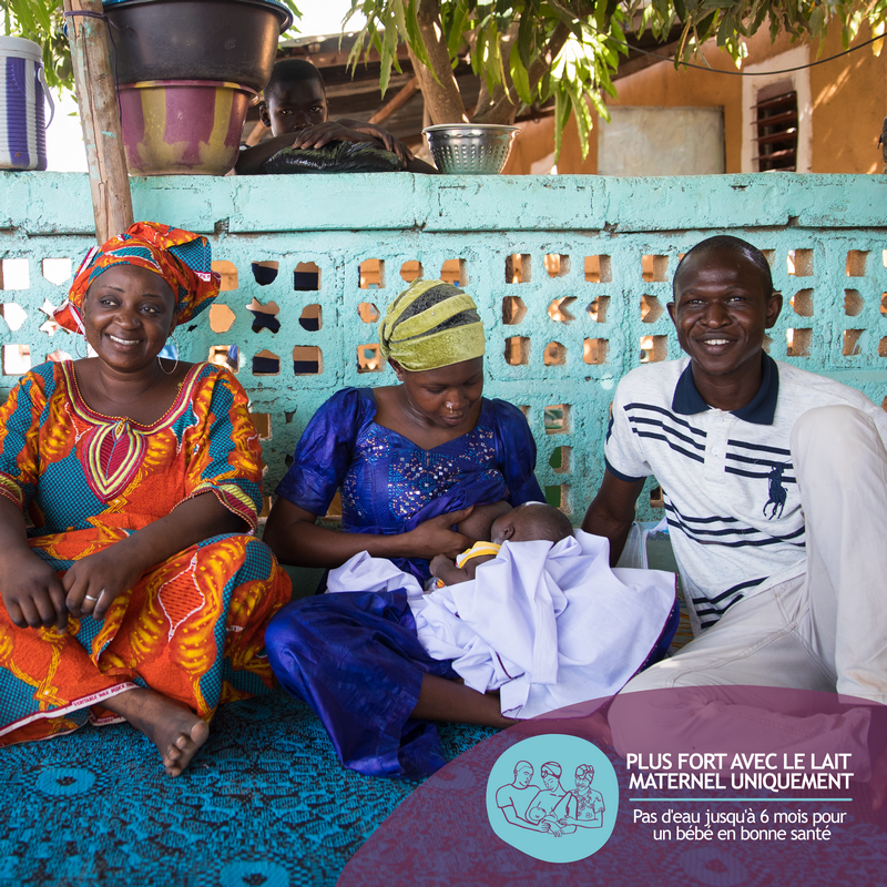 Dès la première heure de vie jusqu'à l'âge de 6 mois, le lait #maternel est tout ce dont le #bébé a besoin. Il n'est pas nécessaire de lui donner autre chose - ni eau, tisane, jus de fruits, bouillie … pendant cette période. @UNICEF @aliveandthrive