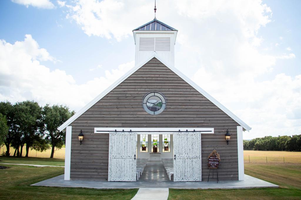 The cutest wedding chapel! Featherstone Ranch! . . . #sanantonioweddings #vchphotography #sanantonioweddingphotographer #texasweddingphotographer#weddingwire #theknot #texasweddings #texasweddingphotographers #sanantoniophotographers  #wedding #weddinginspiration #weddinginspo