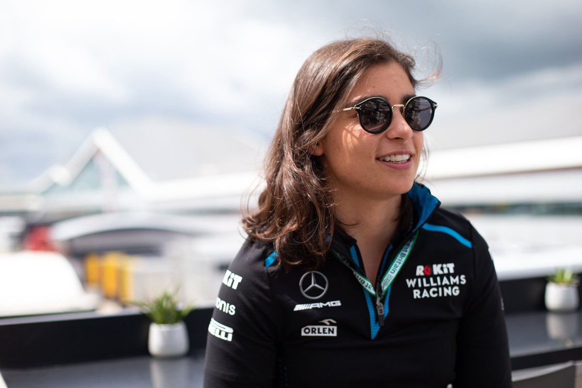 Ever wondered what it's like to be a development driver? Comment below with your questions for Jamie Chadwick for your chance to win a Williams jacket signed by Jamie! Full T&Cs: http://bit.ly/2OAtwvB  #F1 @JamieChadwick55 @WilliamsRacing #ROKiTphonesUK