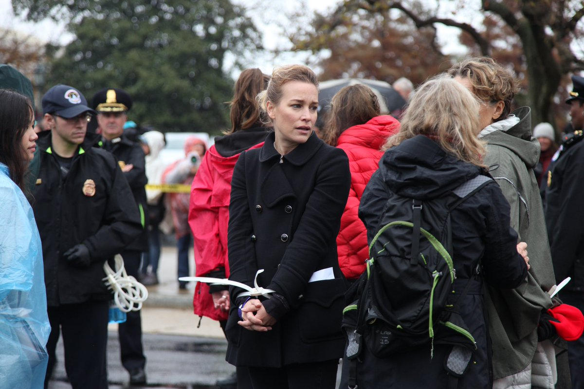 Today's 40 organizers, indigenous leaders, and activists along with celebrities like @PiperPerabo, @ambervalletta, and Diane Lane were arrested to make it clear: WATER CAN'T WAIT   #FireDrillFriday 🔥