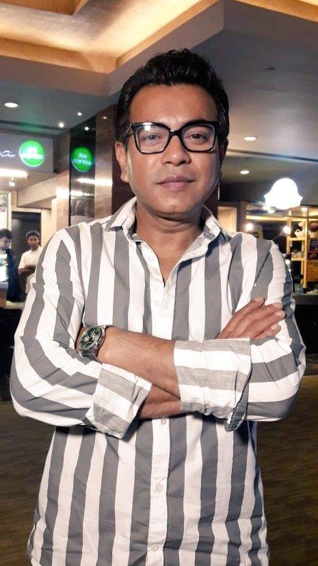 RT @SVFsocial: Glad to have #RudranilGhosh at the special screening of #GhawreBaireyAaj.  Film now in cinemas. https://t.co/1aXLwqGTZ6