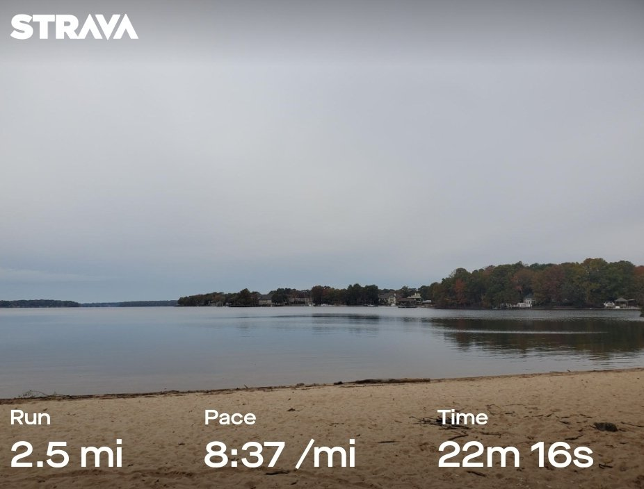 Last run before the race tomorrow. Jetton Park loop to shakeout the legs. Praying for the temps to stay in 40s as predicted & the rain to stay away (not predicted)! #halfmarathontraining <br>http://pic.twitter.com/srfCeHuCh0
