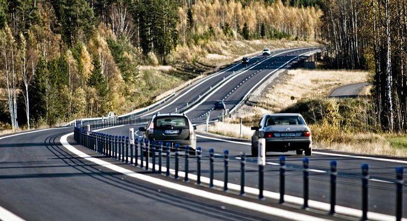 Minskat antal skadade och omkomna i trafiken i oktober 2019 men viktigt med insatser från ansvariga myndigheter som @Trafikverket för trafiksäkerhetsarbetet: förbättra vägnätet, framförallt på länsvägarna och satsa på utbyggnad av mitträcken. @TS_Nyheter