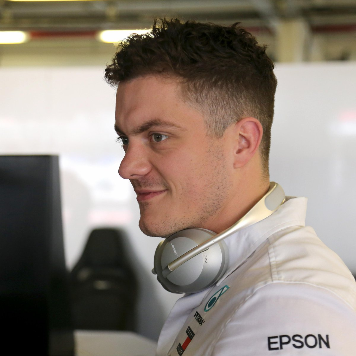 """""""…if you're in a situation where you're pushing your own limits, you're probably doing the right thing."""" - Steve Knowles, Race Strategy Engineer, @MercedesAMGF1 #ThisIsMyRace #ATeamComeTrue 🎧bose.life/2NR5mxI"""