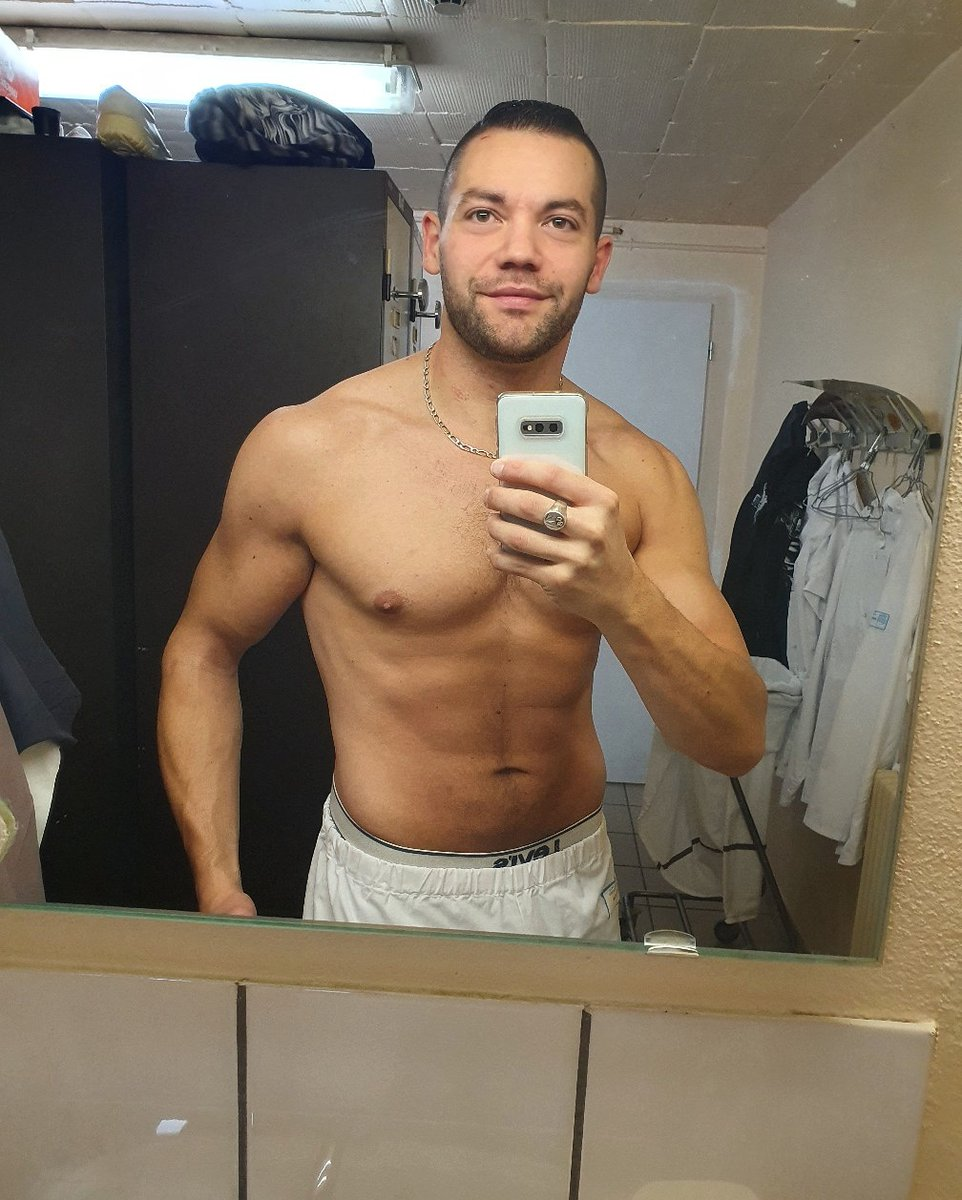 [ B.O.N  W.E.E.K-E.N.D ]   #shapeoftheday #currentshape #sexy #fit #exhib #shredded #life #fitnessmotivation #body #men #fitfrench #shape #sport #workout #abs #training #lifestyle #mood #bodygoal#fitness #fitboy #abdos #instagood #aesthetics #musculation #fitnesslifestylepic.twitter.com/ff0Z0gcQhl