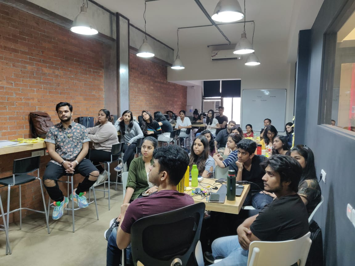 Ecole intuit lab students are in their next phase of #Idea  generation. Today, the students are getting their ideas validated through our #industry experts.<br>http://pic.twitter.com/XpLvUu23Dt