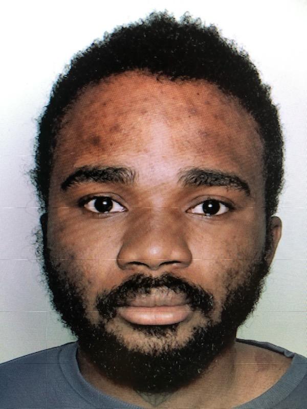 Vi efterlyser 27-årige Carrol fra Hedehusene. Han er savnet. Ring 114. #politidk https://t.co/YEuuoxUEAf https://t.co/9WZ3phvDpb