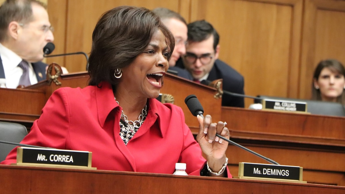 Orlando's U.S. @RepValDemings declares she believes there is clear and convincing evidence of crime by President Donald Trump. http://bit.ly/2XhSNi1 via @ScottFist #FlaPol