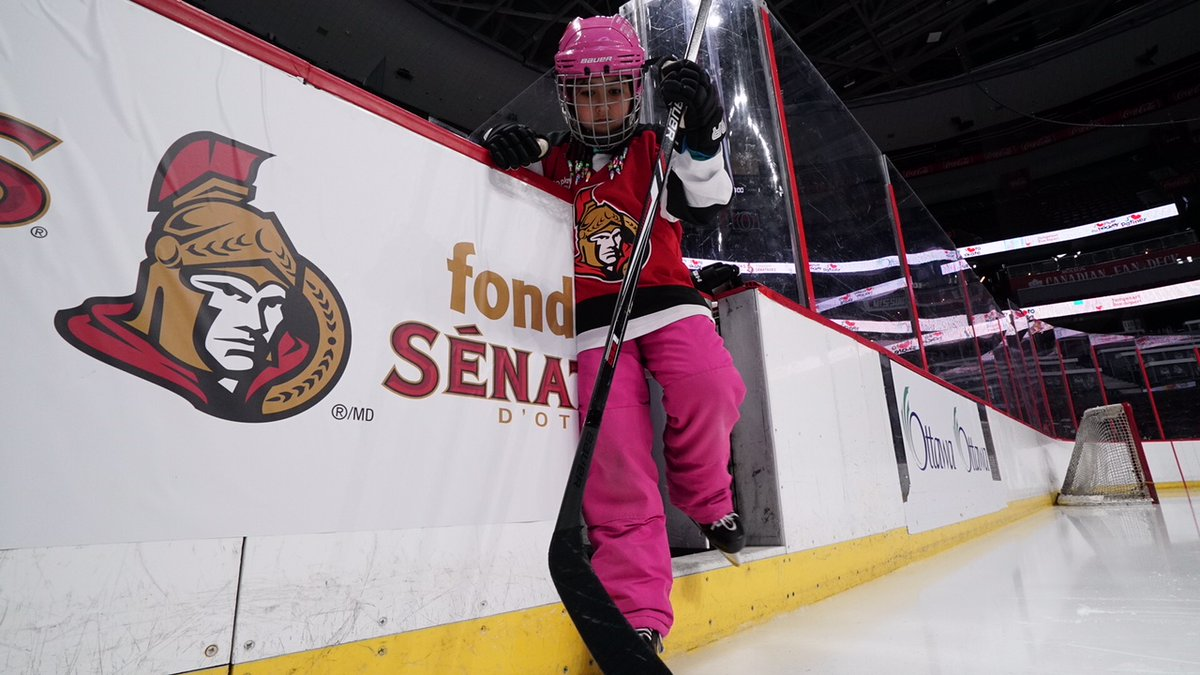 Skating into this weekend with confidence! #GirlsInSport 🏒 🔻 On patine en fin de semaine! #FillesDansLeSport 🏒