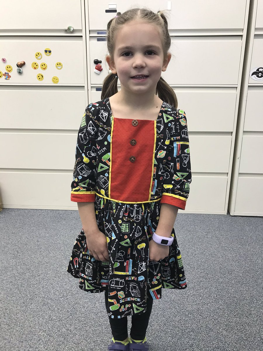 This little one loves science/stem enough that grandma made her a dress! <a target='_blank' href='http://twitter.com/glebepta'>@glebepta</a> <a target='_blank' href='http://search.twitter.com/search?q=GlebeEagles'><a target='_blank' href='https://twitter.com/hashtag/GlebeEagles?src=hash'>#GlebeEagles</a></a> <a target='_blank' href='https://t.co/uSUIiCz3CF'>https://t.co/uSUIiCz3CF</a>