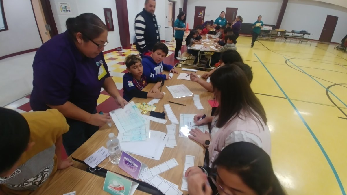 At our MathMazing Math Fair presented by @epmtc1 everyone learns! @CapistranoES @CPuga72