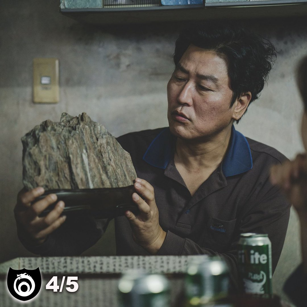Joon-ho Bong's Parasite is one of the year's best films. Check out our review at http://TrueMythMedia.com!   #parasite #joonhobong #kanghosong #sunkyunlee #yeojeongjo #classstruggle #wealthdistribution #rich #poor #servant #film #films #cinema #cinematic #cinephile #cinematographypic.twitter.com/sCuMrGnLen