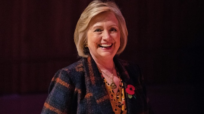Hilary Clinton criticises heavily misogynistic atmosphere on social media during talk at Swansea University bit.ly/2Kqq4Tb