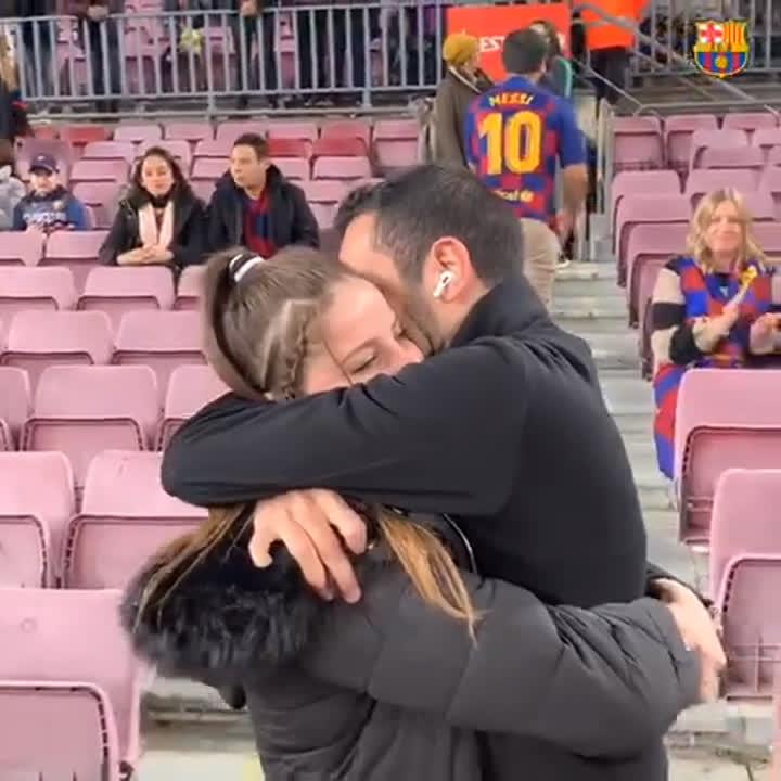 💍 Todo es posible en el Camp Nou 💙❤ https://t.co/bMgRqcpRFX