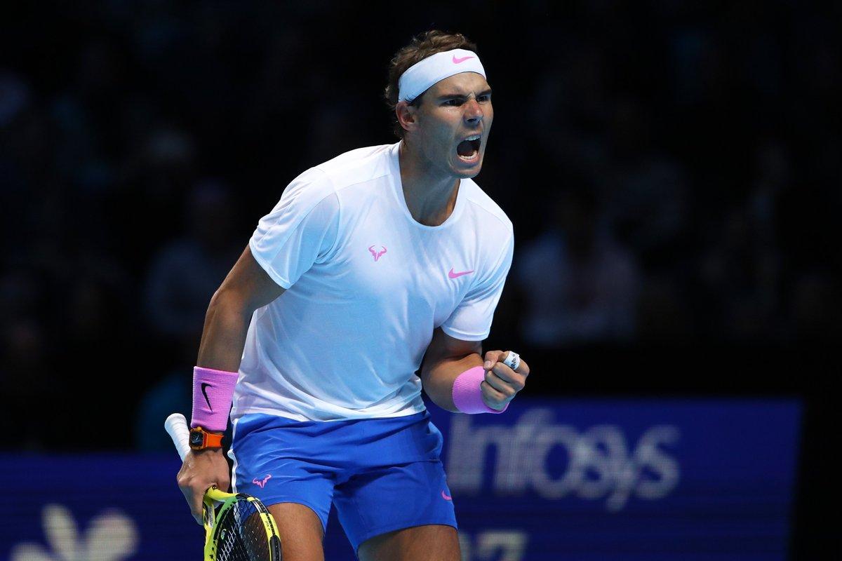 ATP Finals. Надаль за 3 часа обыгрывает Циципаса и сохраняет шансы на выход в полуфинал