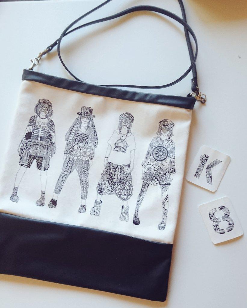 おはようございます♪︎ずっとこの子たちで作ろうと思っていたバッグを、先日教わったゼンタングルで描いてみました。ペンが沈むので幾何学模様のエッジが甘くなり、初心者が布に描くのは無謀で色々しくじったけれど、楽しかったー( *´︶`*)端切れにロゴも描いたからアクセにしようかな♪︎