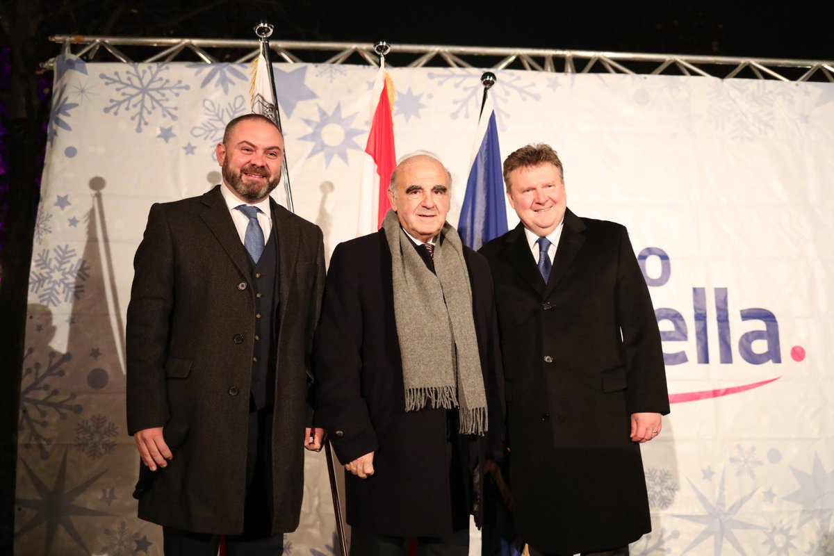 It was an immense pleasure to formally inaugurate the now famous and well travelled Maltese Crib in Vienna. @presidentmt is so respected and carries his role with immense savoir faire. Mayor #MichaelLudwig greeted us warmly. #Malta #Austria 🇲🇹🇦🇹