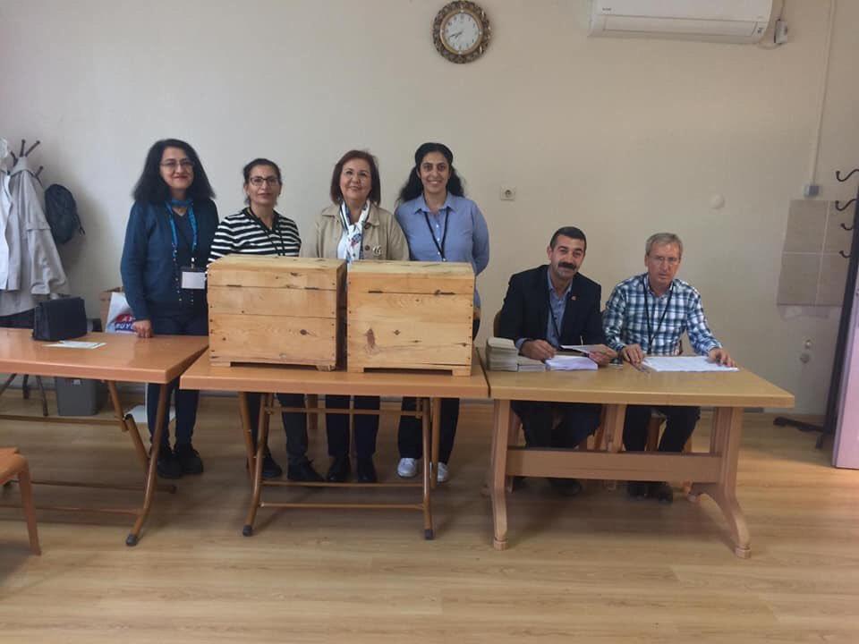 CHP Efeler İlçe Örgütümüzün Mahalle Delege seçimleri Hasanefendi ve Adnan Menderes Mahallelerimizde gerçekleştirilmiştir.Tüm Örgütümüze hayırlı olmasını diliyoruz.#CHP #chp<br>http://pic.twitter.com/AYS13G6ef6