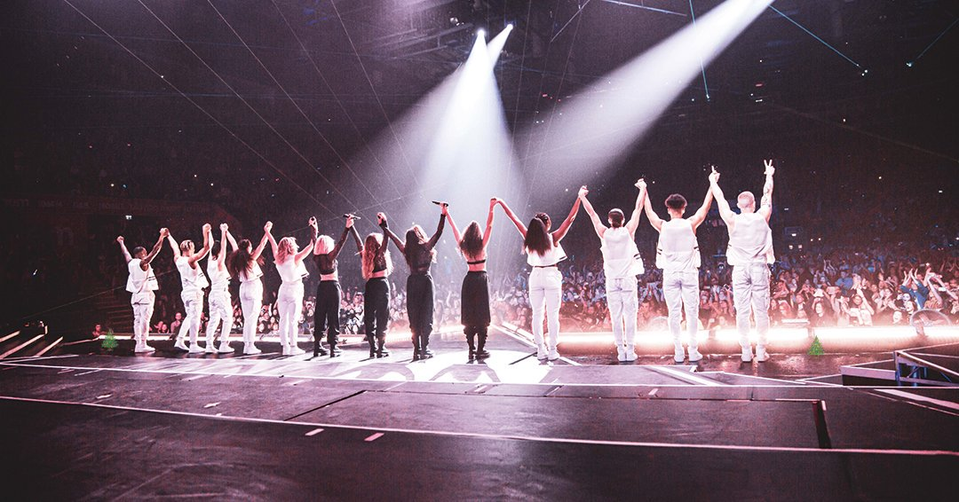RT @LittleMix: Can't wait for tomorrow!! #LEEDS 🕟 #LM5TheTour https://t.co/Qcn21uzYFo