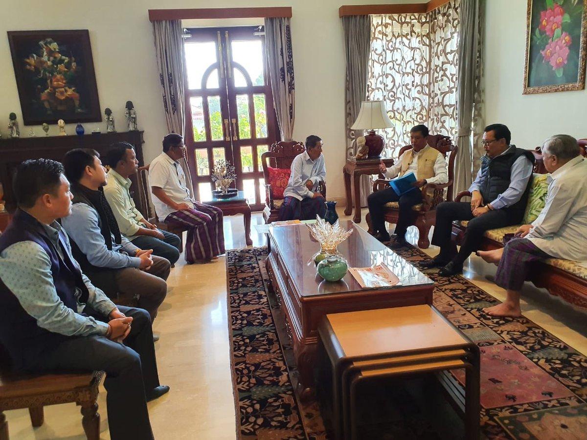 Call on by members of #TaiKhamti #Singpho Council and Tai Khamti Development Society at #Namsai today. @ChownaMeinBJP