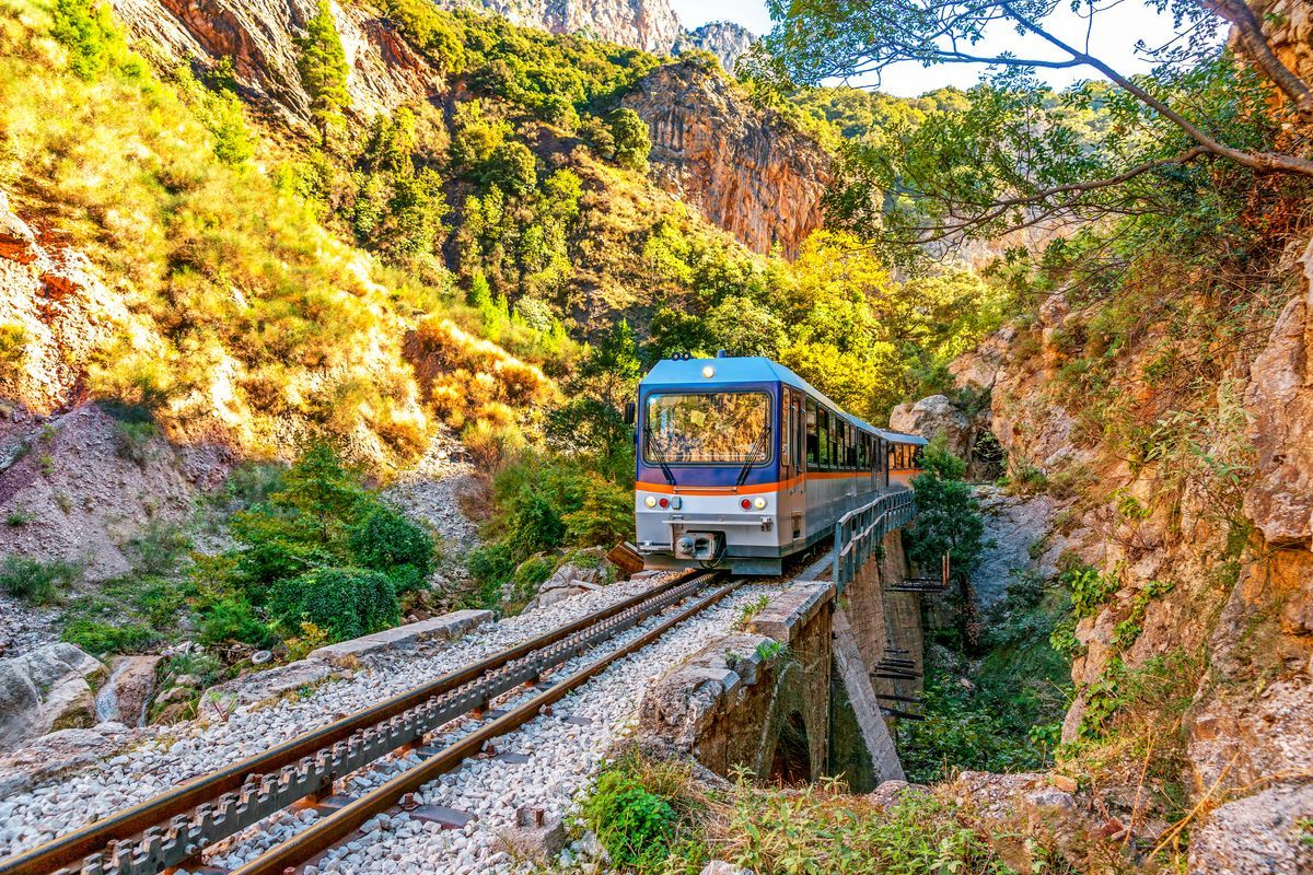 "Greeka Travel Guide on Twitter: ""📍Kalavrita, Greece This photo brings out  the beauty of the Greek mainland. How many of you had the chance to  experience Odontotos Rack Railway ? #Greekacom #Kalavrita #"