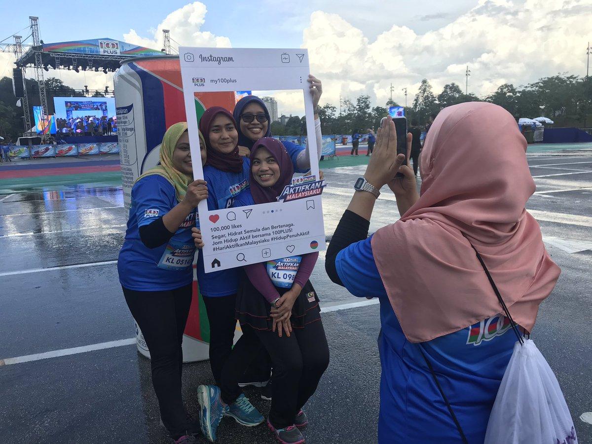 Sebahagian aksi daripada peserta-peserta terawal yang datang ke Parking B, Stadium Nasional Bukit Jalil untuk menyertai #Hari100PLUSAktifkanMalaysiaku.  Yang mana masih belum sampai, segerakan langkah anda kerana kami bakal bermula tidak lama lagi! 🏃♀️🏃♂️ #100PLUSMY https://t.co/0QF7yJlxpF