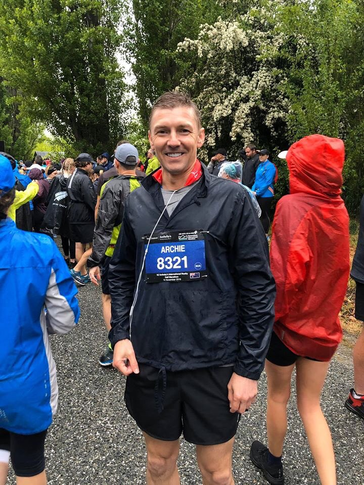 Done & Dusted,  thanks to @FlyAirNZ, and Southeby's NZ for a well organised and memorable event #QueenstownMarathon pic.twitter.com/Uh2BCFzxfF