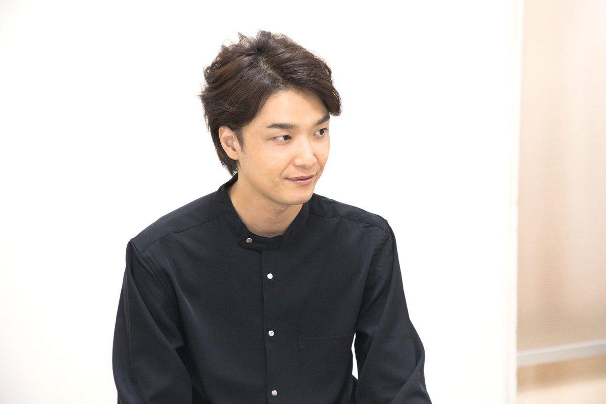 グリブラ オフショット井上芳雄 さんの BUTAKOME 取材時の一コマこちらもぜひチェックしてみて