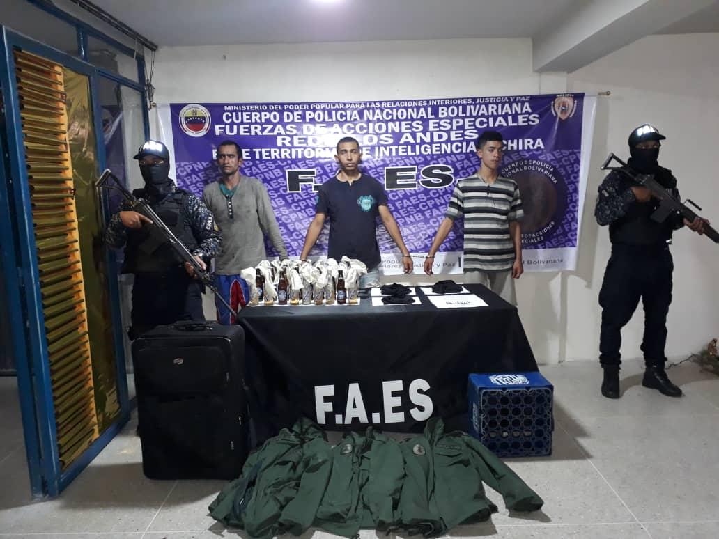 Tag faes en El Foro Militar de Venezuela  EJf4f3pW4AAAReW