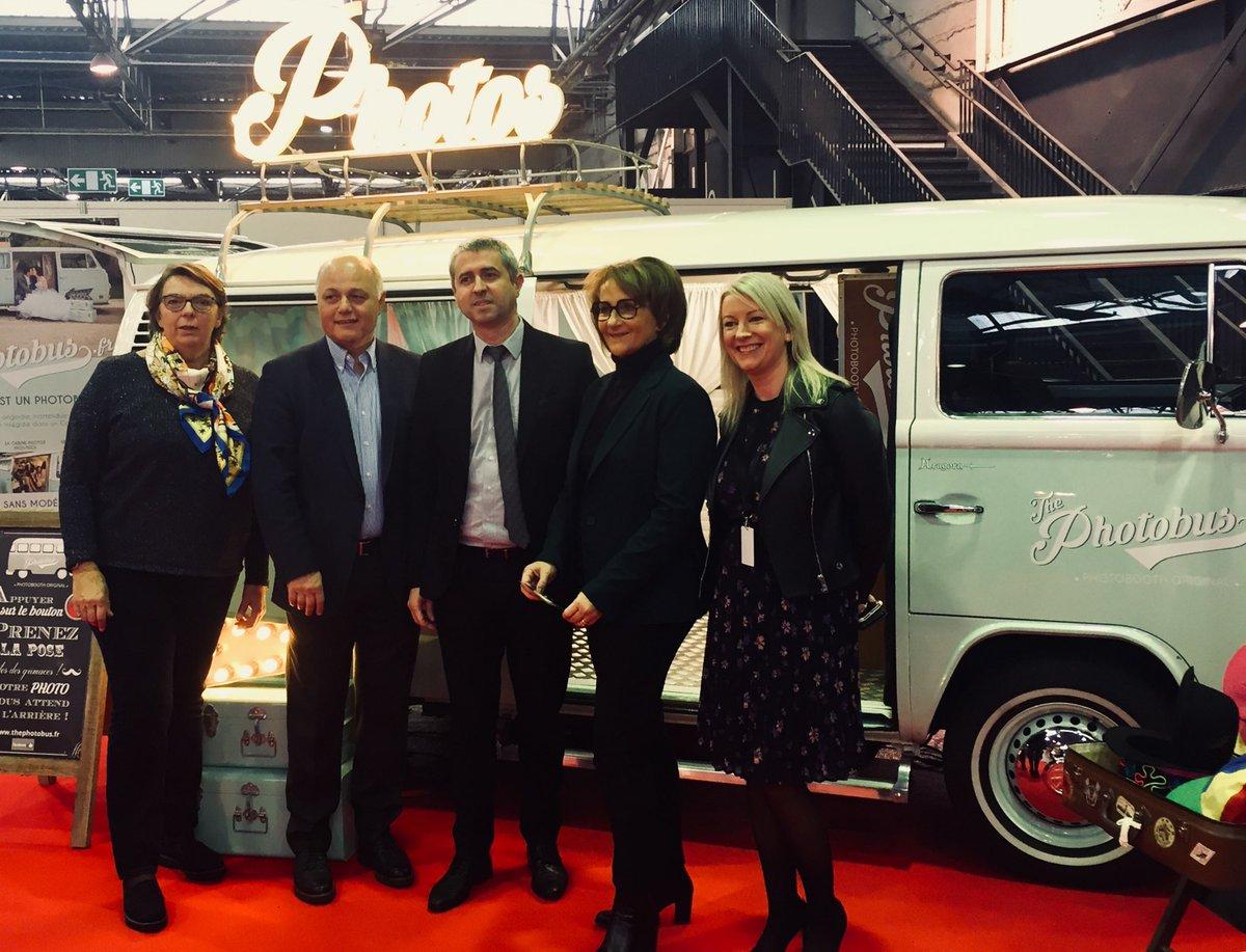 Visite officielle du #SalonAutoMoto #Caen avec Catherine Pradal Chazarenc, Véronique Debelle, Gérard Hurelle, @paulsechaud et Julie Galaud. @CaenOfficiel @C_au_Carre https://t.co/AGn4fmRLKY