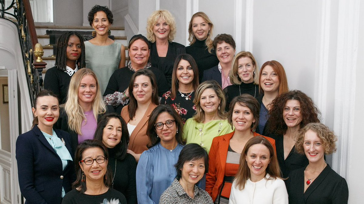 Au revoir, Paris! 🇫🇷 Our #GlobalAmbassadors women #entrepreneurs developed a strong bond this week, working together to improve their business skills while enjoying the City of Light alongside their mentors. bit.ly/2XiZfFH